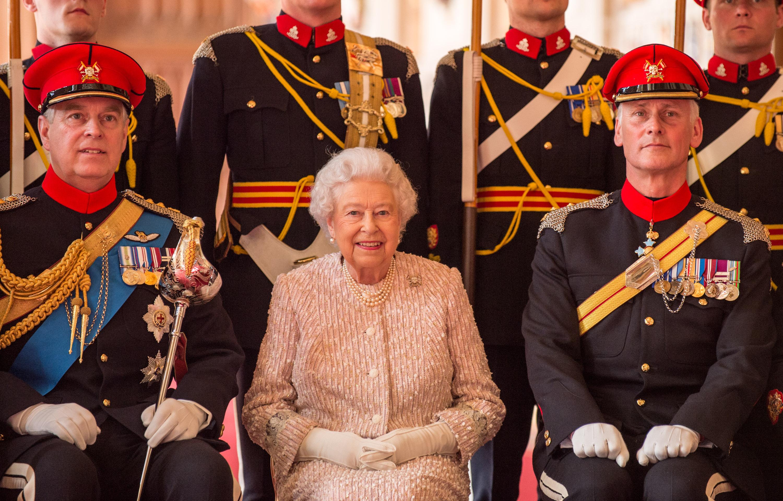 queen honours the royal lancers renaming them  u0026 39 elizabeths