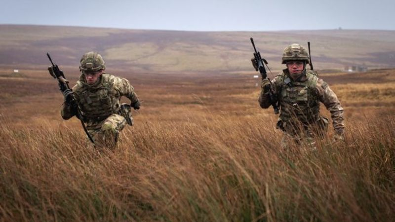 1 RIFLES British soldiers training Sennybridge