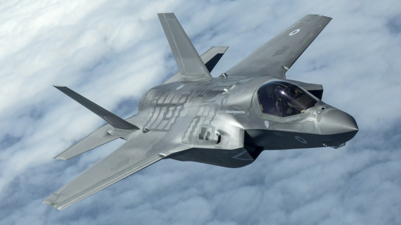 the UK's F-35B Lightning II jets to be flown to the UK.