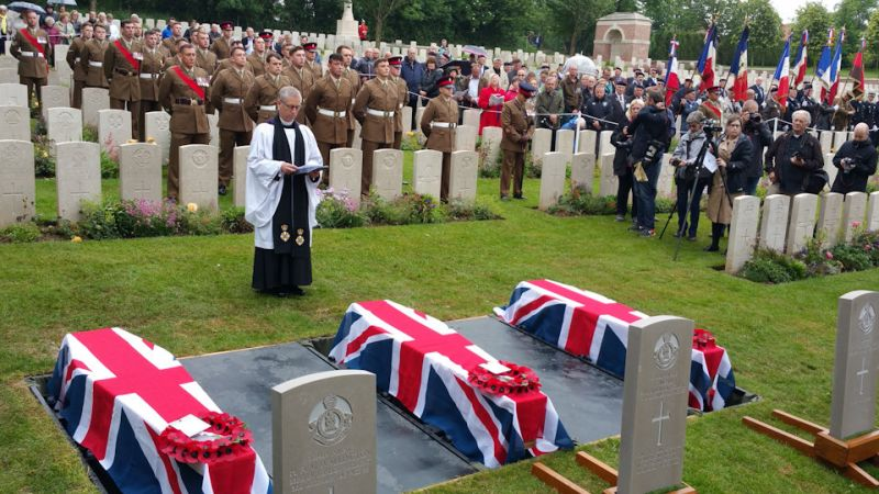 Burial service for WWI soldiers in France