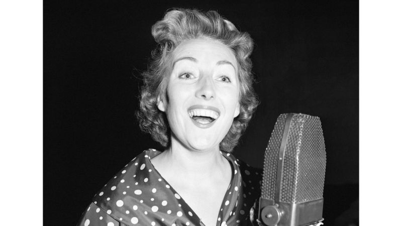 Dame Vera Lynn rehearsing at microphone cover image 300756 CREDIT PA