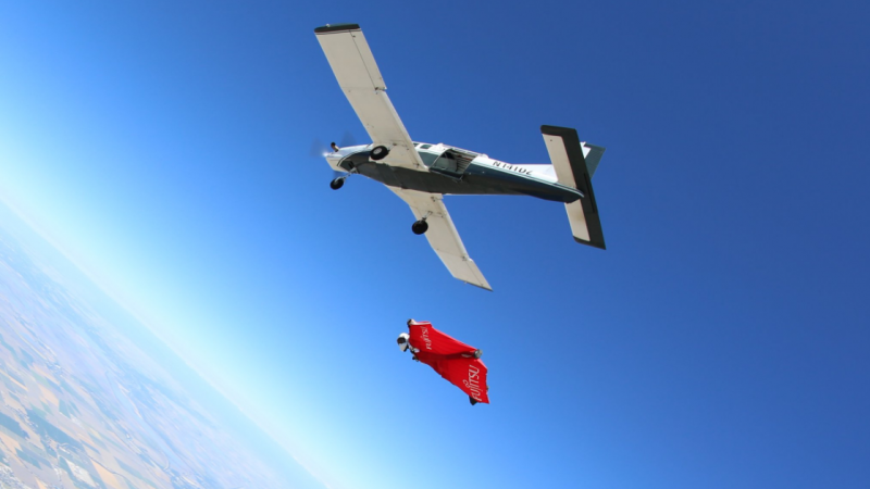Wingsuit pilot 39 breaks speed record 39 for military charity - Military wingsuit ...