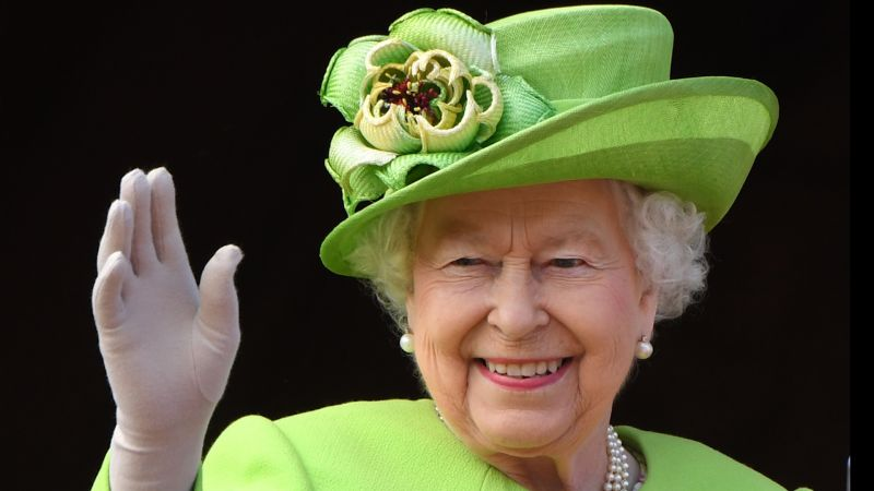 Queen%20Elizabeth%20II%20smiles%20during