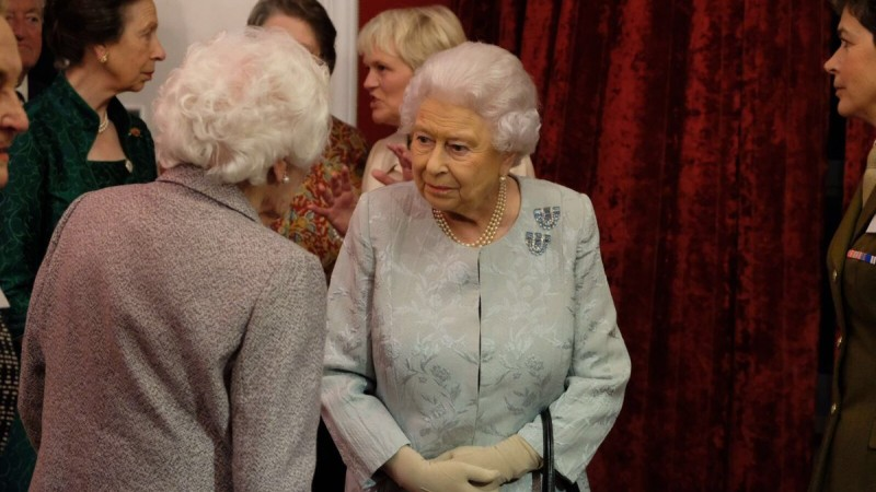 Queen meets Bletchley Park Veteran.jpg