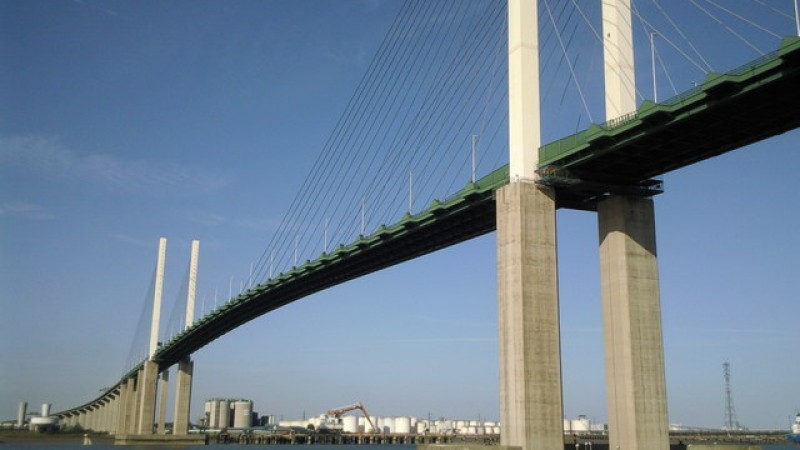 "Dartford Crossing Traffic Update >> Dartford Crossing Bridge Closed After Suspected WWII ""Bomb"" Found"
