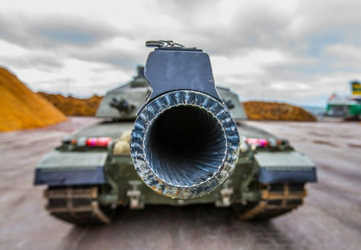Challenger 2: The Ultimate Tank