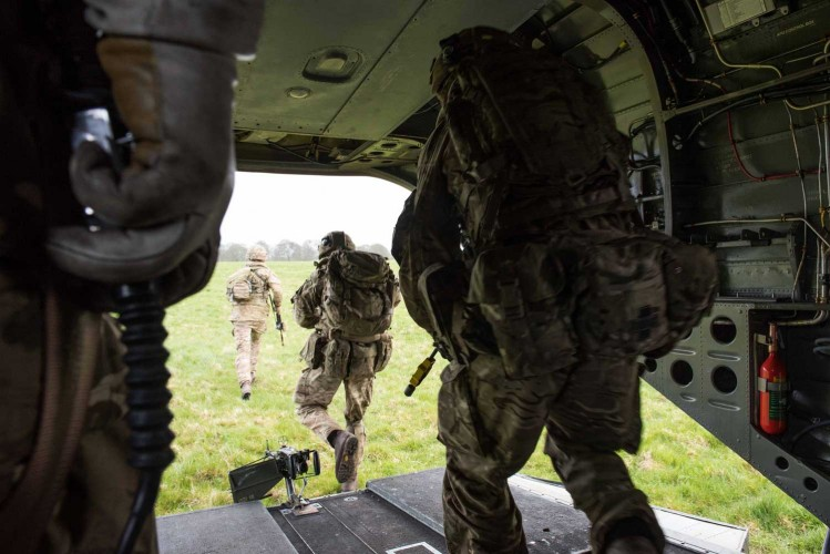 Joint Warrior: British Army Parachute In