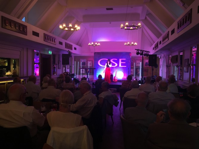 Karen Carpenter Tribute at Chelsea Pensioners CSE Show