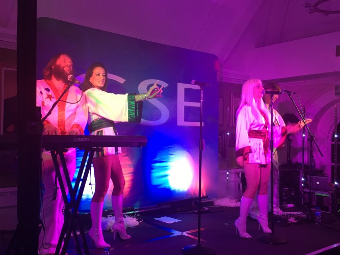 Voices of Abba at Chelsea Pensioners CSE Show
