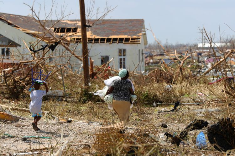 Islanders of Great Abaco seen carrying belongings after Hurricane Dorian hit 040919 CREDIT MOD