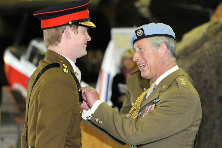 Prince Harry Being Awarded Flying Wings By Prince Charles CREDIT M0D