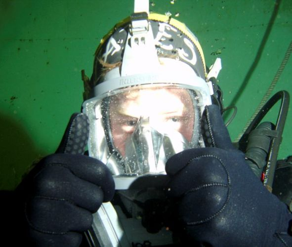 Prince Harry during a dive with Royal Navy at Defence Diving School 311007 CREDIT MOD