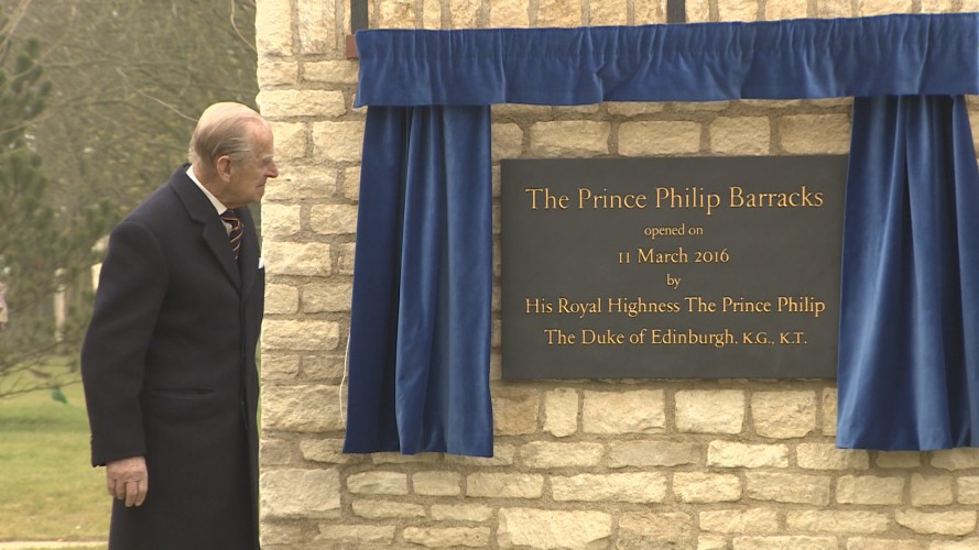Prince Philip unveils a plaque in his honour at MPD Lyneham, March 2016.
