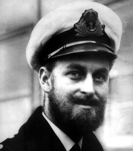 Prince Philip in 1945 sporting a beard (Picture: PA/Tophams).