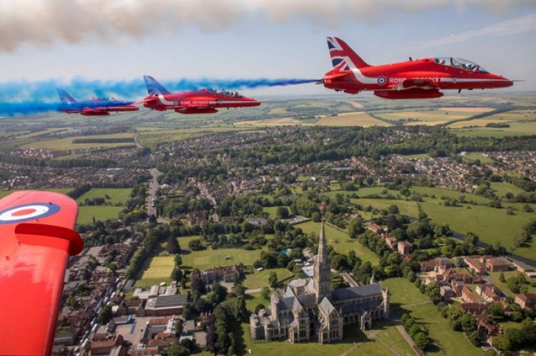 Red Arrows over Salisbury cathedral