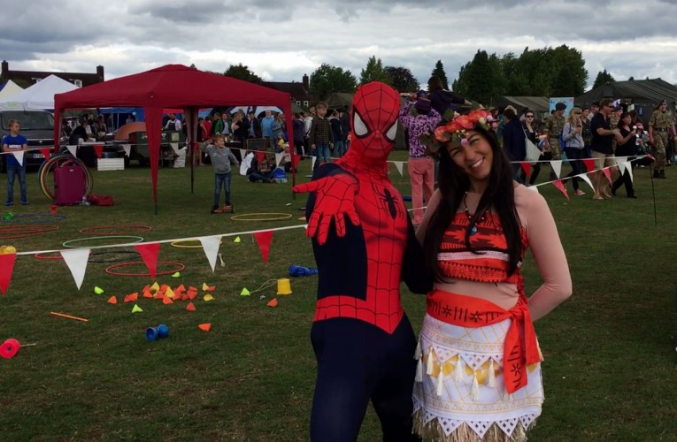 Spiderman and Moana mingle with the crowd