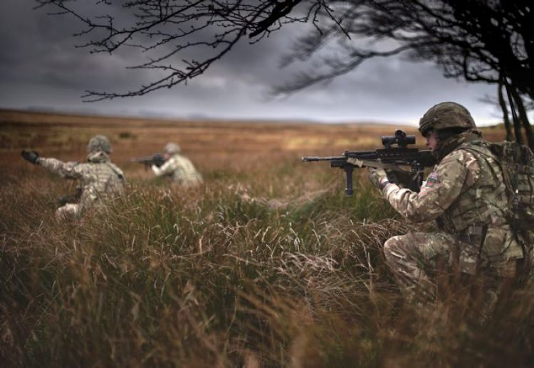 1 RIFLES on exercise in Sennybridge