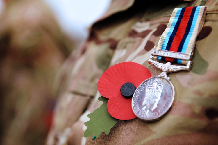 Do Military Personnel Have To Wear A Poppy For Remembrance?