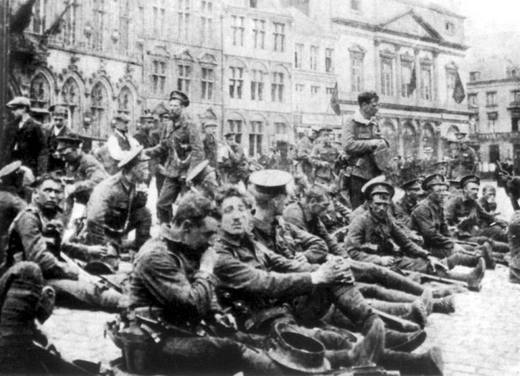 British troops in Mons before the battle