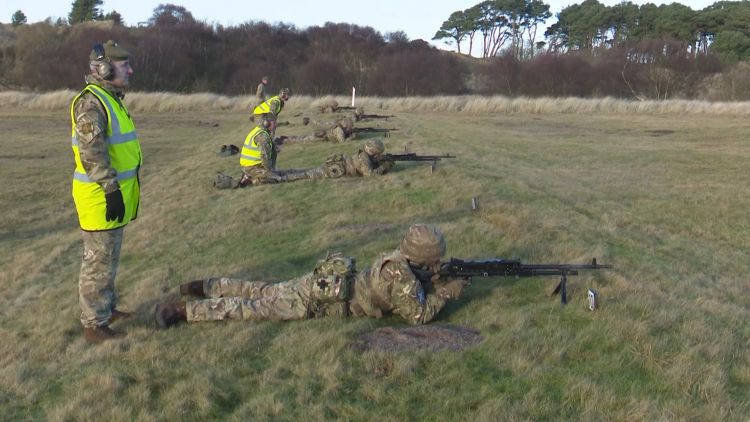 Reservists From 6 SCOTS Work On Their Marksmanship