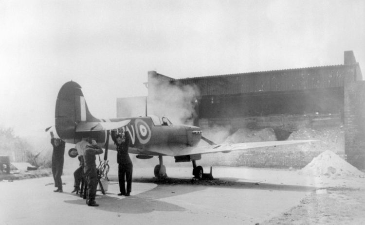 A Spitfire testing its guns at Biggin Hill during the Battle of Britain 011040 CREDIT PA