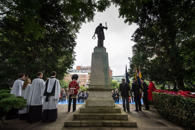 Ceremony at Kensington and Chelsea War Memorial