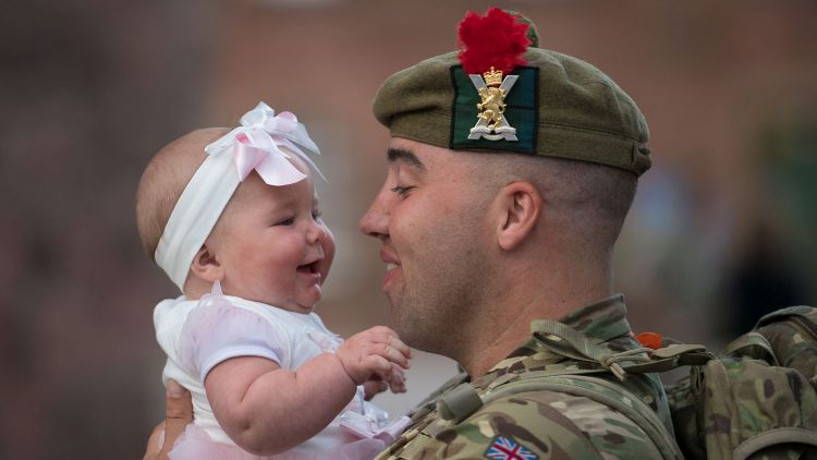 3rd Battalion The Royal Regiment of Scotland 3 SCOTS Homecoming Private Ewan Ross daughter