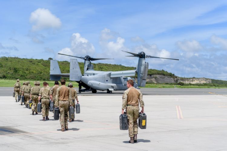 UK personnel American Osprey aircraft
