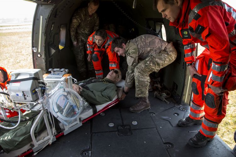 Armed Forces helicopter personnel train with NHS critical care staff for coronavirus medical evacuation pic 3 090420 CREDIT MOD.jpg