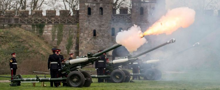 Royal gun salute in Cardiff