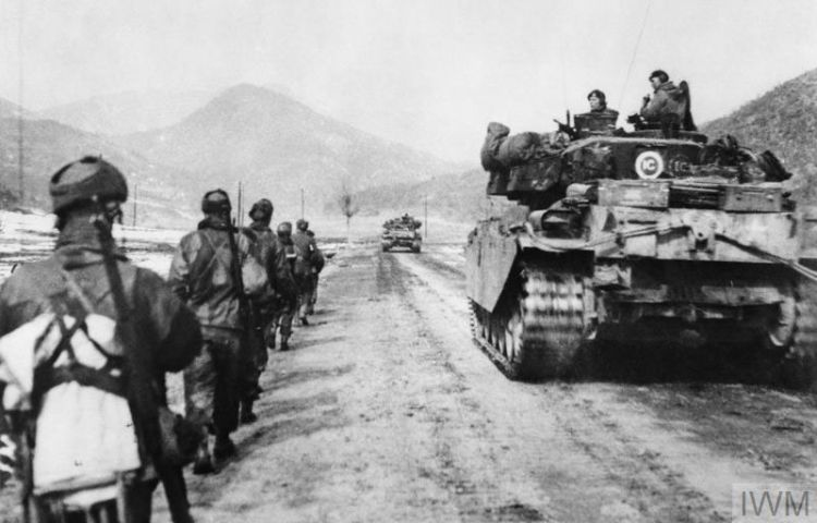 Centurion Tanks Gloucestershire Regiment Hill 327 in Korea Black And White IWM KOR 649