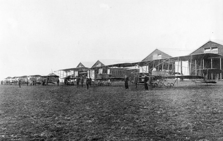 Avro 500s, a pair of BE.4s, Henri Farman, Short S.27 and two Maurice Farman S.7 Longhorns