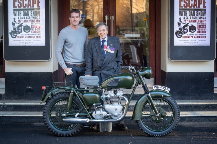 Dan Snow with ex POW Charle Clarke 211118 CREDIT Snappin Turtle