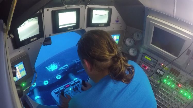 NATO mini-sub operator performs mock rescue in Ex Dynamic Monarch