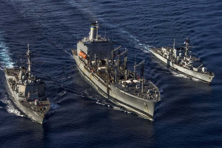HMS Argyll with USS McCampbell and USNS Henry J Kaiser in South China Sea