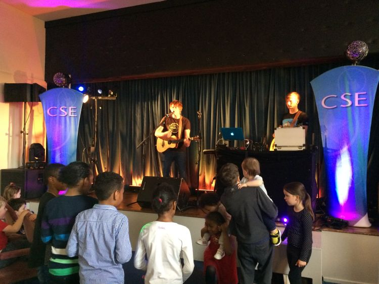 Jack Shepherd from the 'Ed Sheeran Experience' delights the crowd at MoD Cottesmore