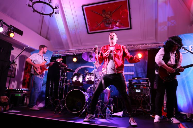 Queen II play Chelsea Pensioners Club for CSE