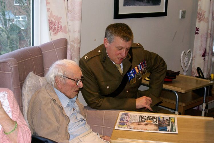 Major Brad Braddock with Mr Whent (Picture: SWNS).