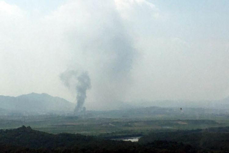 North Korea blows up inter-Korean office close to the border 160620 CREDIT YONHAP/PA