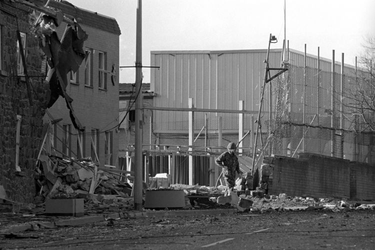 TROUBLES, NORTHERN IRELAND CAR BOMB PA IMAGES