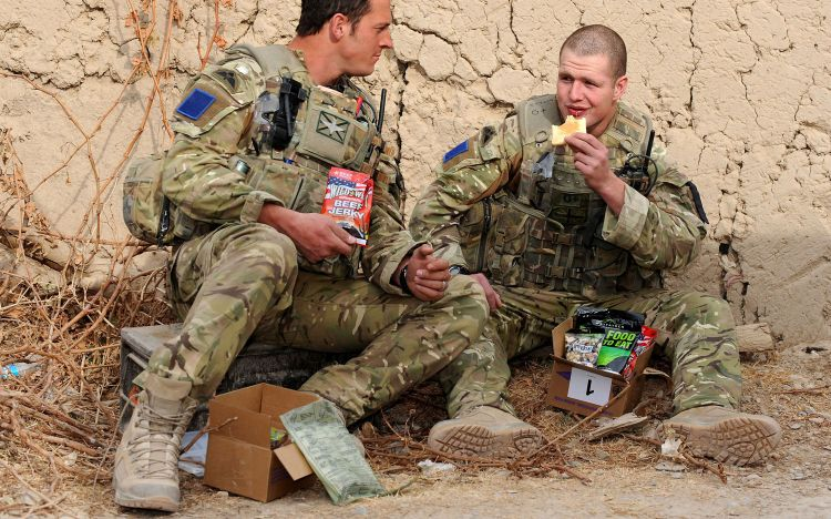 Paras Soldiers Eating Ration Packs Afghanistan