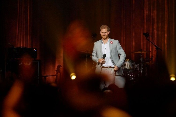 Prince Harry paid tribute to the 500 competitors (Picture: Invictus Games Sydney 2018/Getty Images).