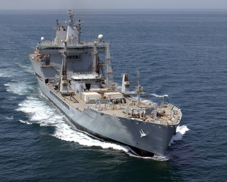 Tanker RFA Wave Knight will also deploy to the Gulf (Picture: MOD).