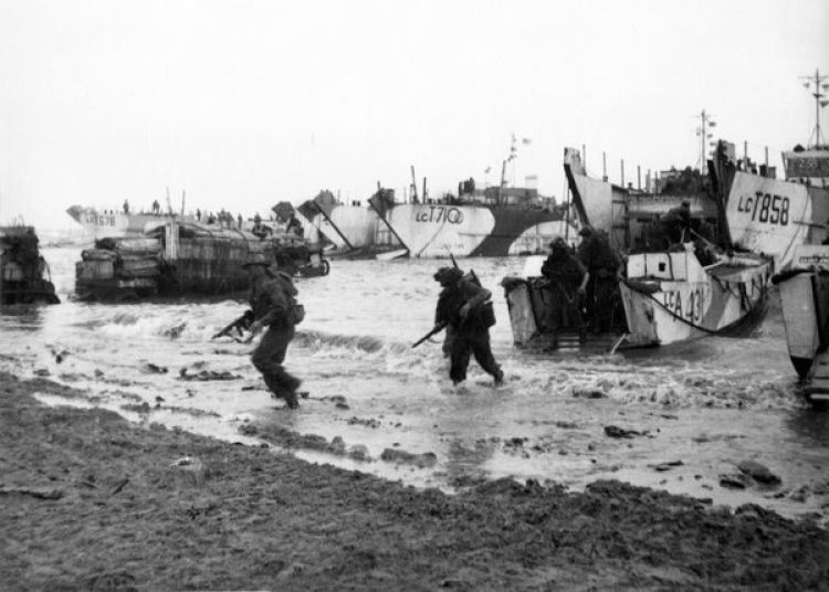 Royal Marine Commandos 47 RM Commando during Normandy D-Day landings (Picture: PA).
