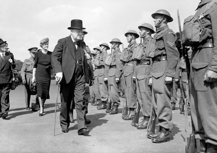 Sir Winston Churchill Home Guard personnel in Hyde Park, London 1941 CREDIT PA