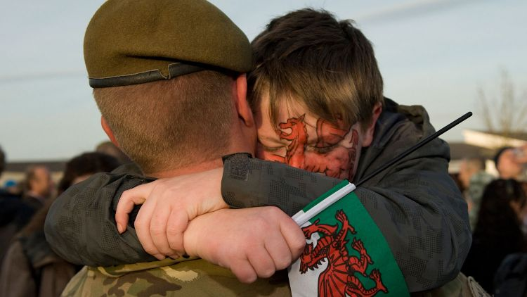 Soldier Father Son Reunited 2nd Battalion The Royal Welsh Afghanistan Deployment Welsh Flag DNI