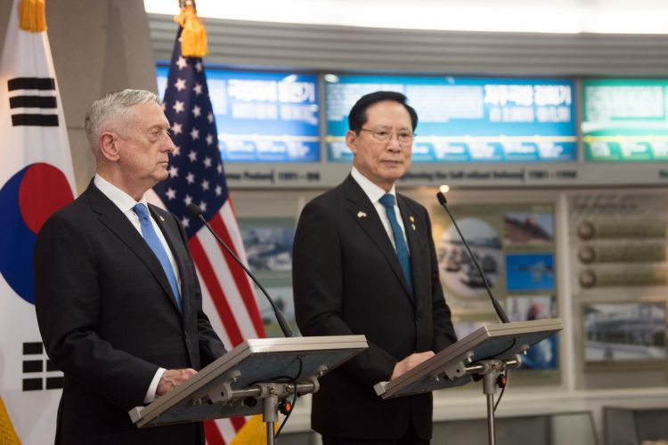 US Defense Secretary James Mattis and South Korean Defense Minister Song Young-moo in Seoul