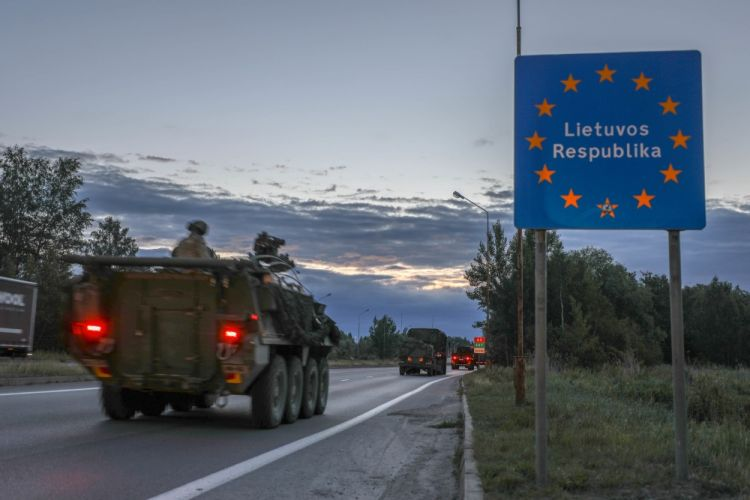 US personnel cross border into Lithuania into Poland