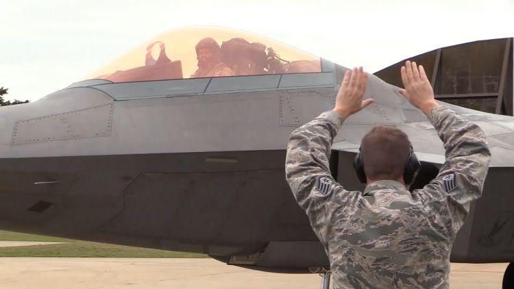 USAF F-22 Raptor lands at RAF Lakenheath