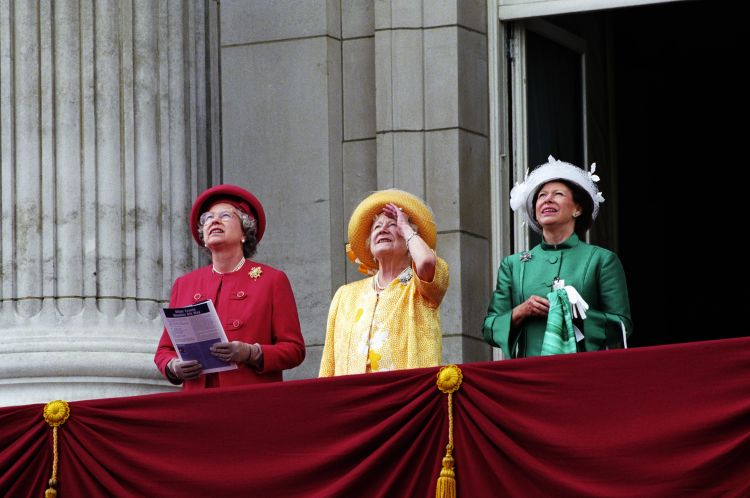 The Queen, The Queen Mother and Princess Margaret  1995 VE Day CREDIT PA